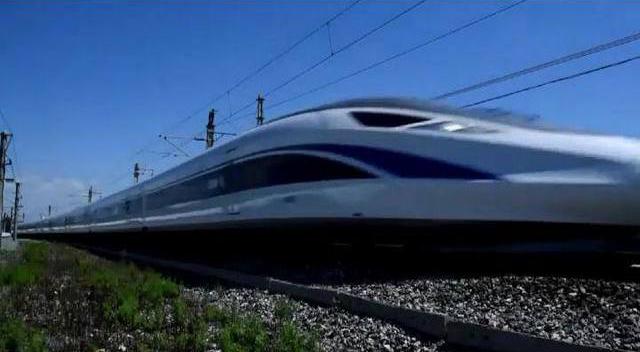 中国自行研制的高速列车60万公里测试