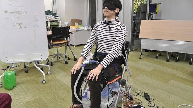 日本人脑洞大开:这款VR装置竟然能模拟失禁