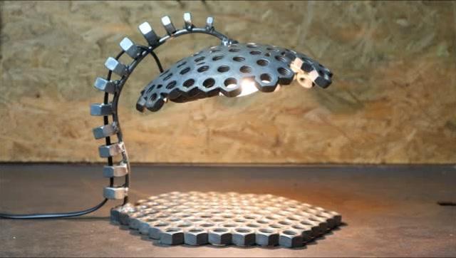 将上百颗螺母焊接在一起,成品令人赞叹!