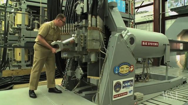 美国展示高科技大炮:炮弹时速7200公里