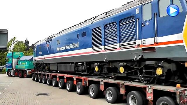 大开眼界!看看国外如何运送火车和飞机