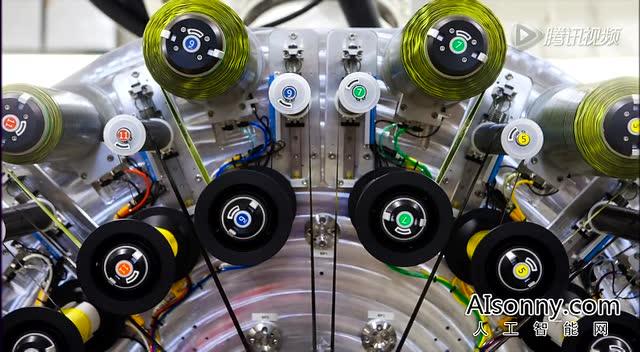"""NASA推2层楼高7吨重机器人""""变形金刚"""""""