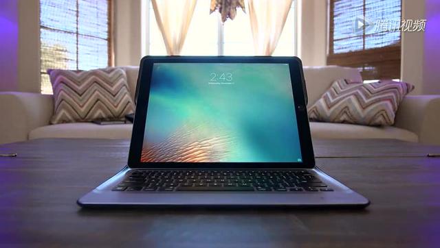 iPad Pro开箱初体验:屏幕巨大 但又轻又薄