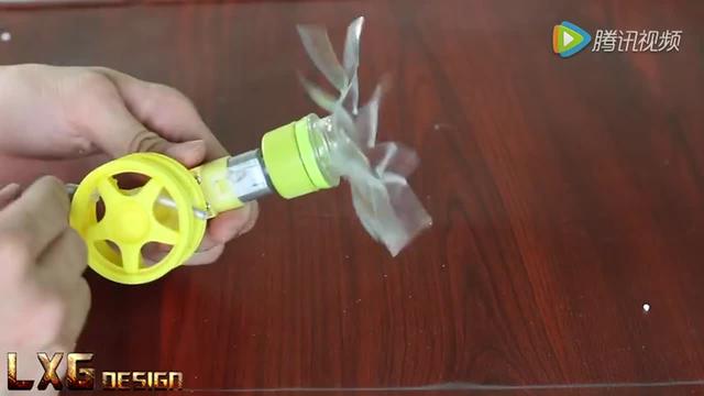 教你如何制作一个手摇扇