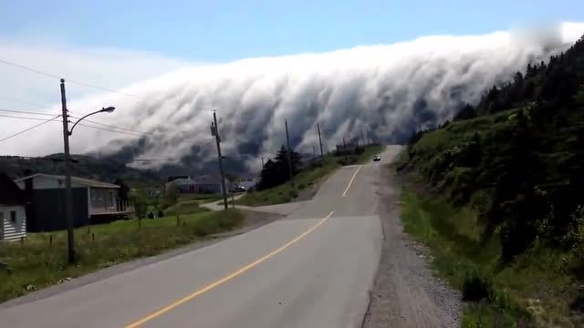 这就是云瀑。。。太美了!