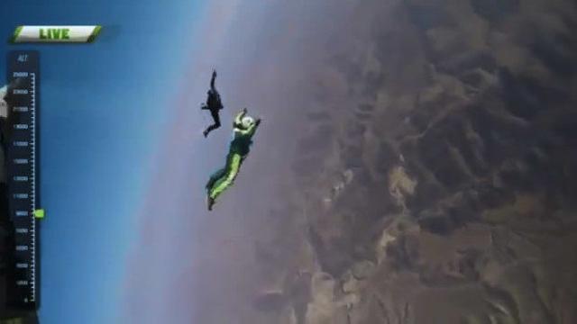 人類壯舉!男子不帶降落傘從7600米高空跳下:成功落地