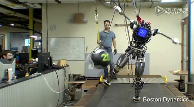 太牛了!美國強大的人形機器人