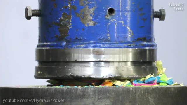 液压机对上1000张便利贴会发生什么事?