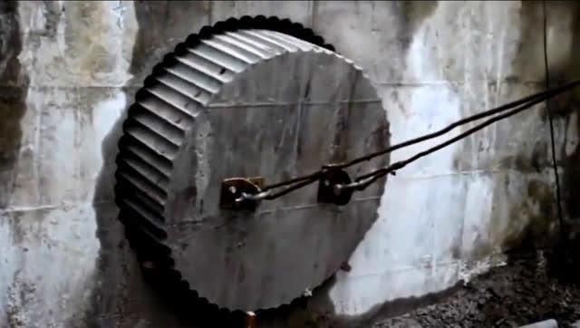 在一米厚的墙面开直径1米的大孔,看他们用什么样方法