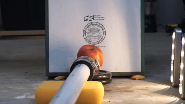 超音速乒乓球 vs 苹果,结果会怎样