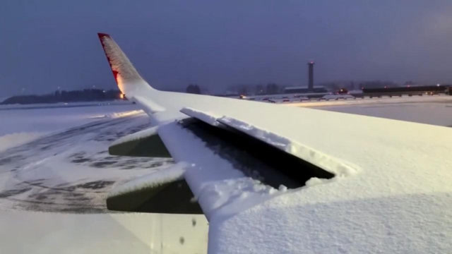 你晓得波音737是如何除雪的吗?长见地了!