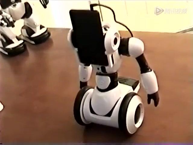 趣科技:WP8.1語音助手Cortana控制機器人