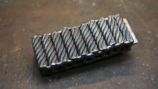 大神用电缆停止铸造,这才叫专业铸造手艺