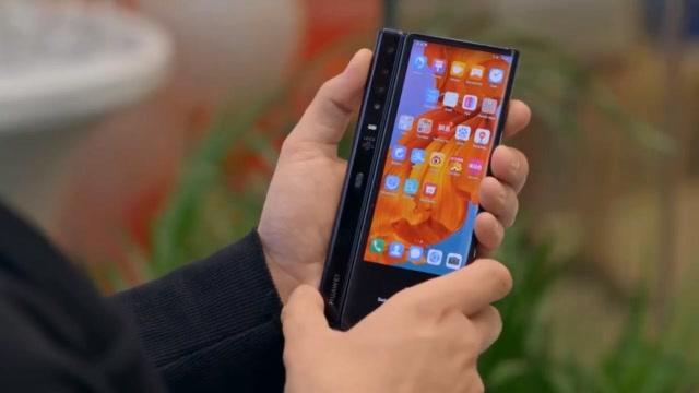 华为Mate X折叠屏手机上手体验,一款惊艳的未来旗舰