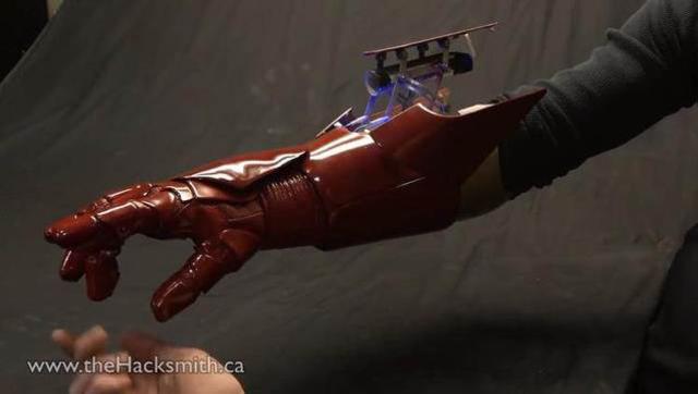 牛人自制钢铁侠火箭发射器,太帅了!