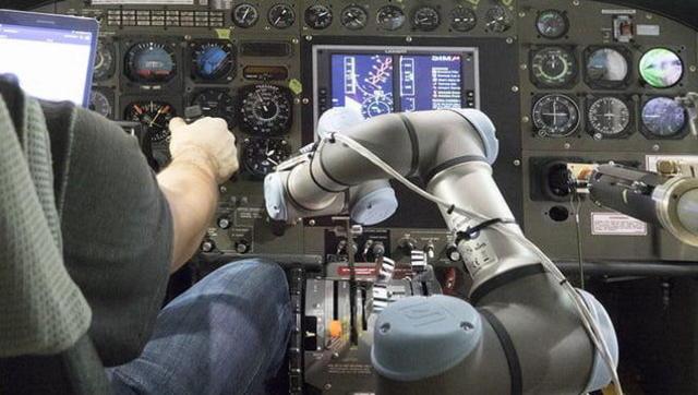 人类又被嫌弃了 机器人开始当上飞行员