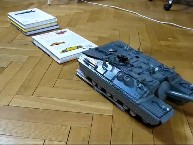 LEGO黑科技:神自制斯大林T28超重型坦