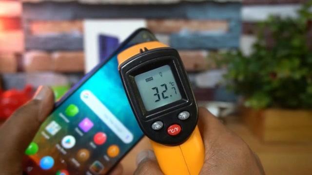 散熱如何?榮耀20吃雞游戲體驗、耗電及溫度測試