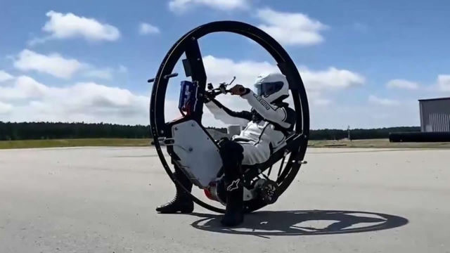 世界上最快的单轮电动车,时速可超过112公里