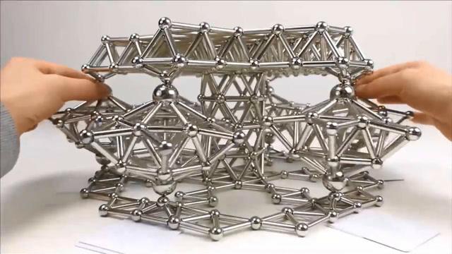 牛人用釹磁鐵快速制作磁性齒輪,還能轉動!