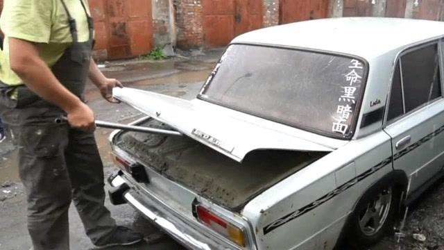將5噸水泥灌進汽車,輪胎都壓扁了,還能正常行駛嗎?