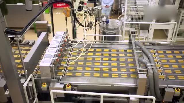 百奇的生产过程,全机械化流水线