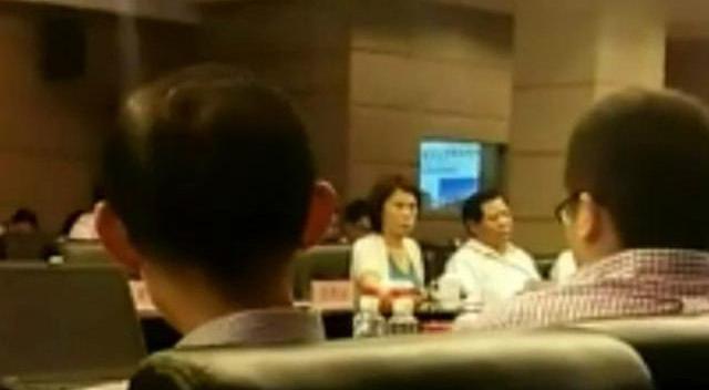 董明珠股东大会当场发飙,原因竟是没人给她鼓掌