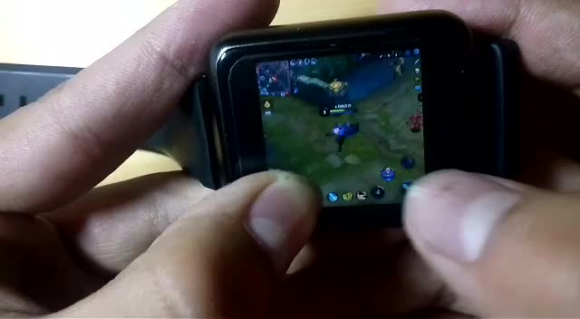 150块钱的国产智能手表玩王者荣耀 要上天的节奏