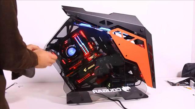 酷炫机箱配GTX1080ti与i7 8700k有多强