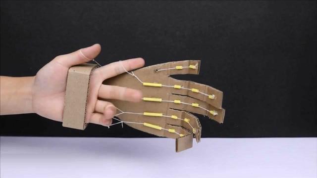 厲害了!牛人用紙板制作靈活的機械手