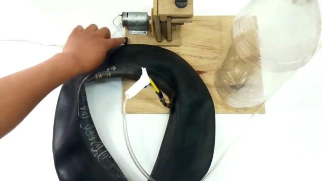 牛人制作空气压缩机,给轮胎充气轻而易举