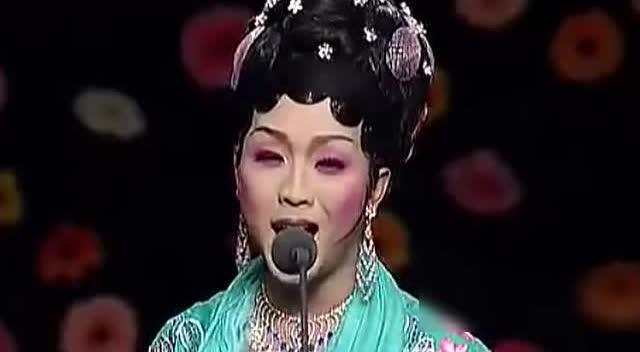 李玉刚在维也纳女声演唱红楼梦插曲