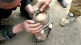 战斗民族集体营救汽车弹簧里的小猫
