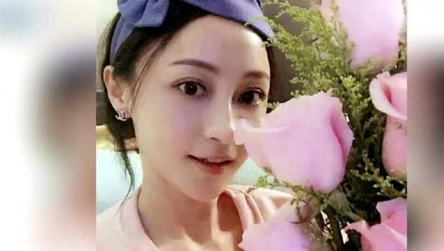 姚笛收粉丝粉色玫瑰 晒素颜照感恩