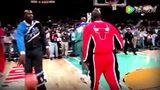 嫩模晒胸助阵NBA赛惨遭喷 投怀送抱勾引奥尼尔头像