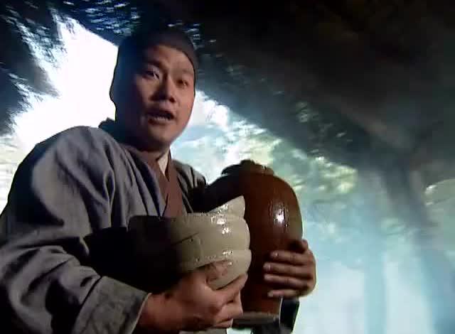 武松在景阳冈休息时遇到老虎,结果自己赤手空拳就把老虎打死了