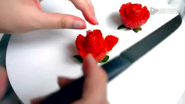 教你用草莓雕刻玫瑰花