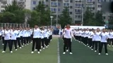 别人家的学校,400人齐跳Seve鬼步舞,这个场面十分震撼!