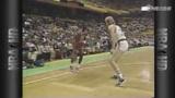 视频:乔丹季后赛十佳球 不可思议滞空送绝杀