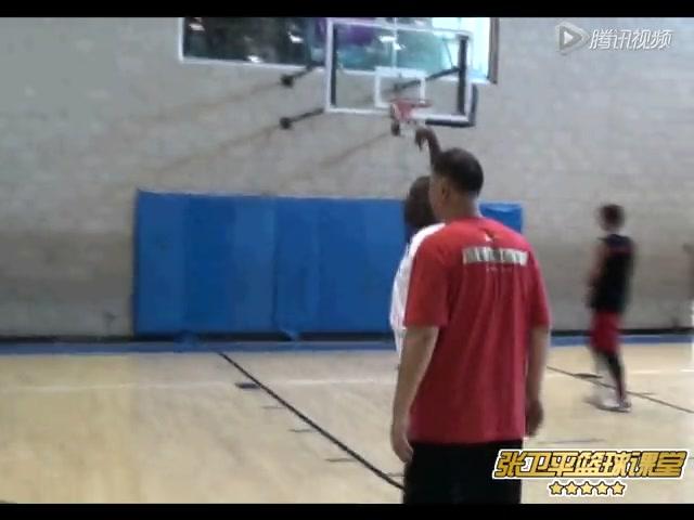 2012赴美乔丹训练营 乔丹青少年时教练讲课