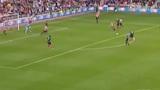 视频:利物浦右路进攻 杰拉德插上远射再中柱