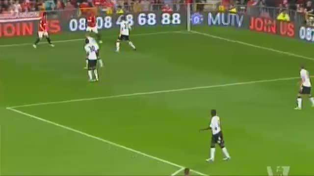 策划:范佩西成曼联新杀器 赛季首球助曼联胜