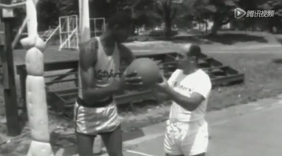 视频:张伯伦成长生涯回顾 早年NBA画面重现