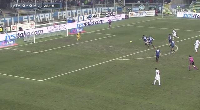 进球视频:尼昂禁区前直塞 沙拉维抽射破球荒