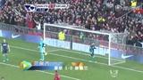 进球视频:奥谢解围乌龙助攻 范佩西劲射破门