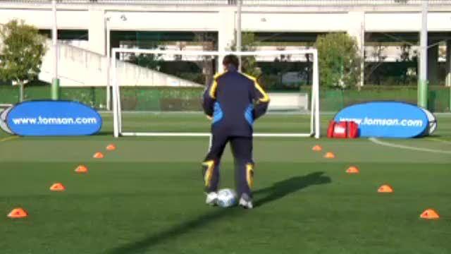 视频:汤姆-拜尔训练之脚内侧踩拉球综合练习