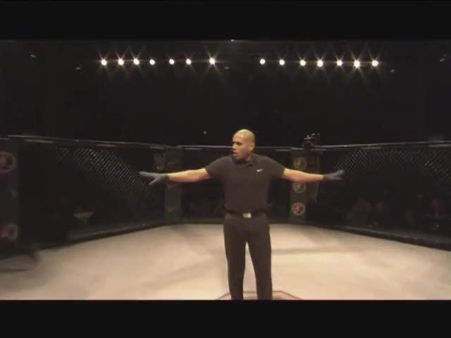 视频:锐武第八场 吐尔逊VS伊沙赛义德