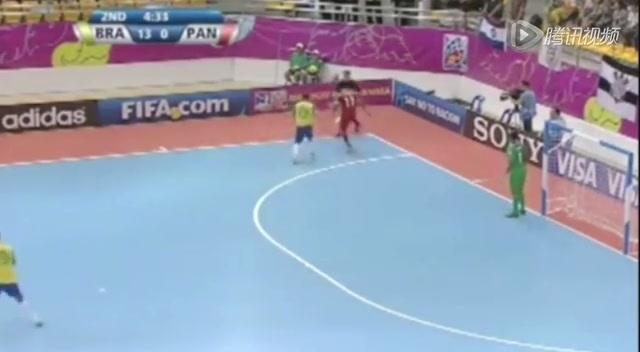 视频:五人世界杯杂耍式过人 巴西球员被完爆