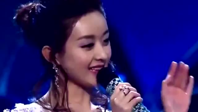 赵丽颖当年海选唱歌视频,这还是那个可爱调皮的她吗?