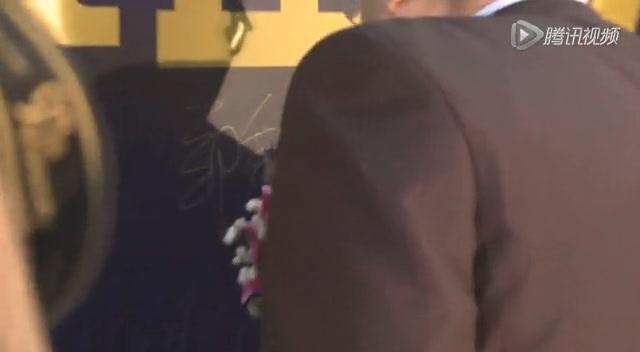 2012财经奥斯卡红毯秀:任志强潘石屹引发围观截图